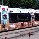 Mit dem ULF und Emmi Caffè Latte fährt erfrischender Kaffee-Genuss durch ganz Wien